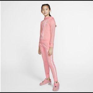Super cute and comfy Nike pink set, BARLEY WORN